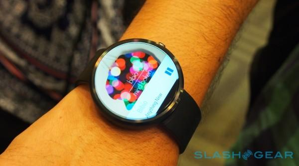 Official Moto 360 video: round watch, not a round screen ...