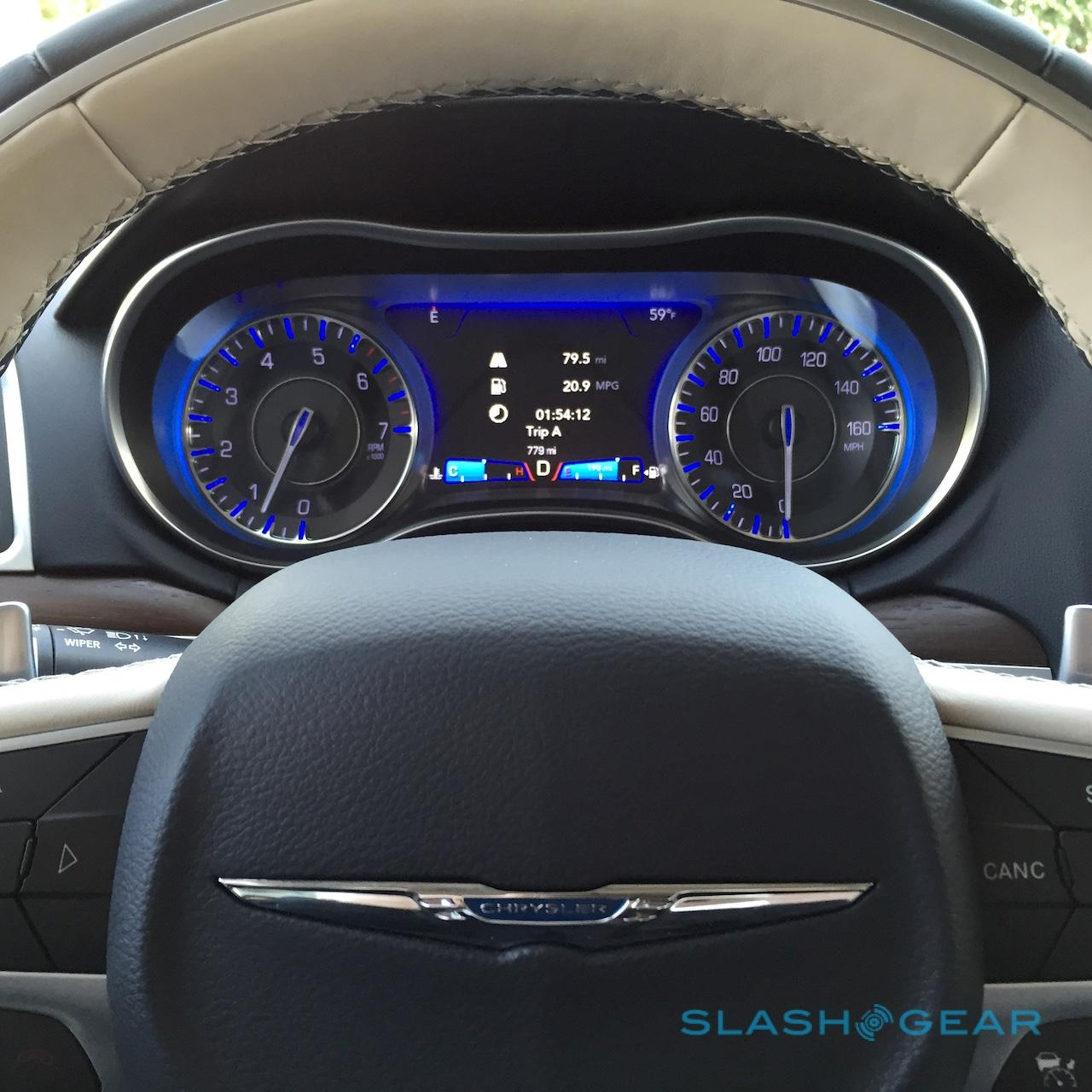 Ev Charger Black Friday >> 2015 Chrysler 300 first-drive – HEMI Hero - SlashGear
