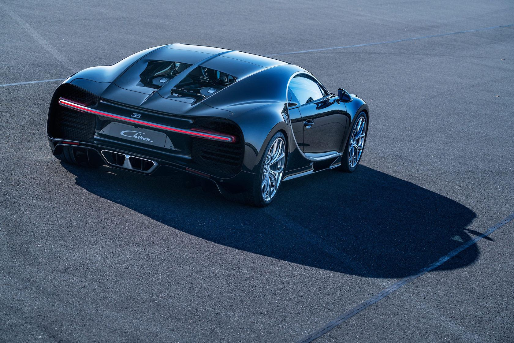 08_CHIRON_dynamic_34-rear_WEB