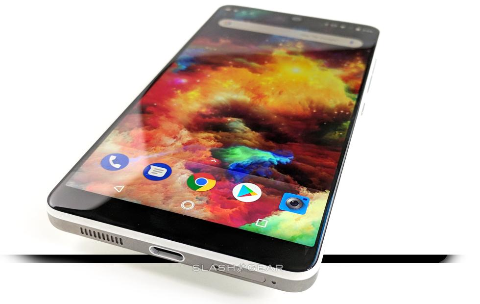 Essential Phone Review: The Impossible Challenge