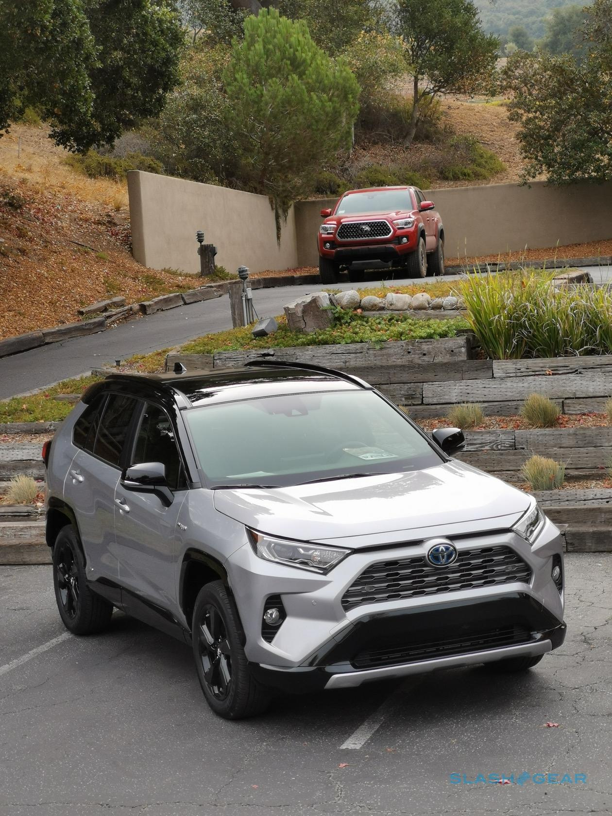 2019 Toyota RAV4 first drive review: Compact SUV makes ...