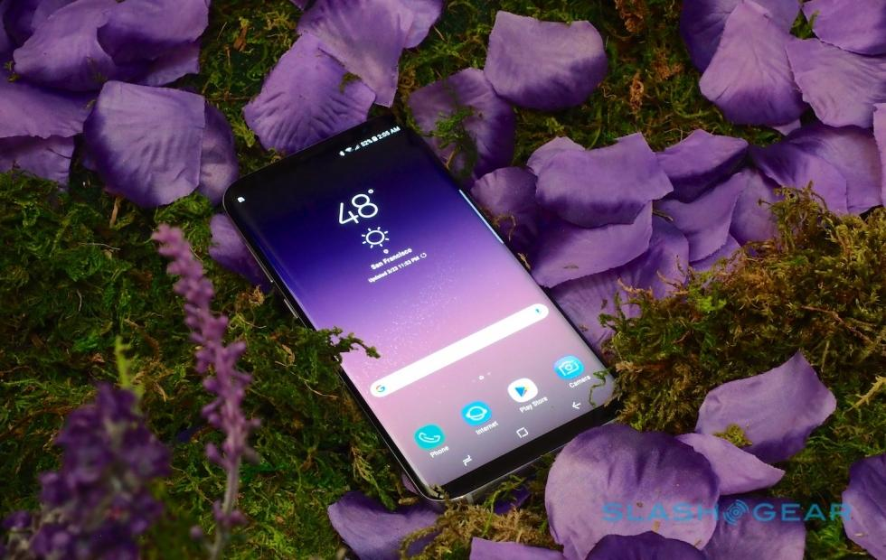 Galaxy S8, Note 8 get GIF support for Always On Display