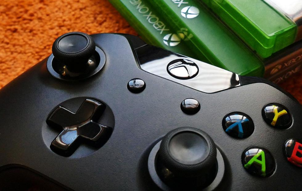 These holiday Xbox One and PlayStation deals are still running