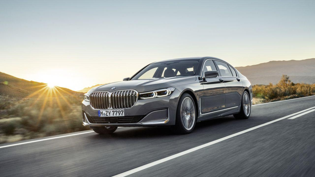 2020 BMW 7 Series gets a huge grille, tech and hybrid update