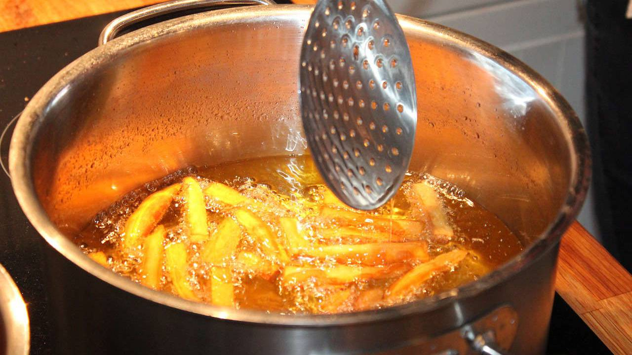 Study finds reused cooking oil may fuel aggressive breast cancer