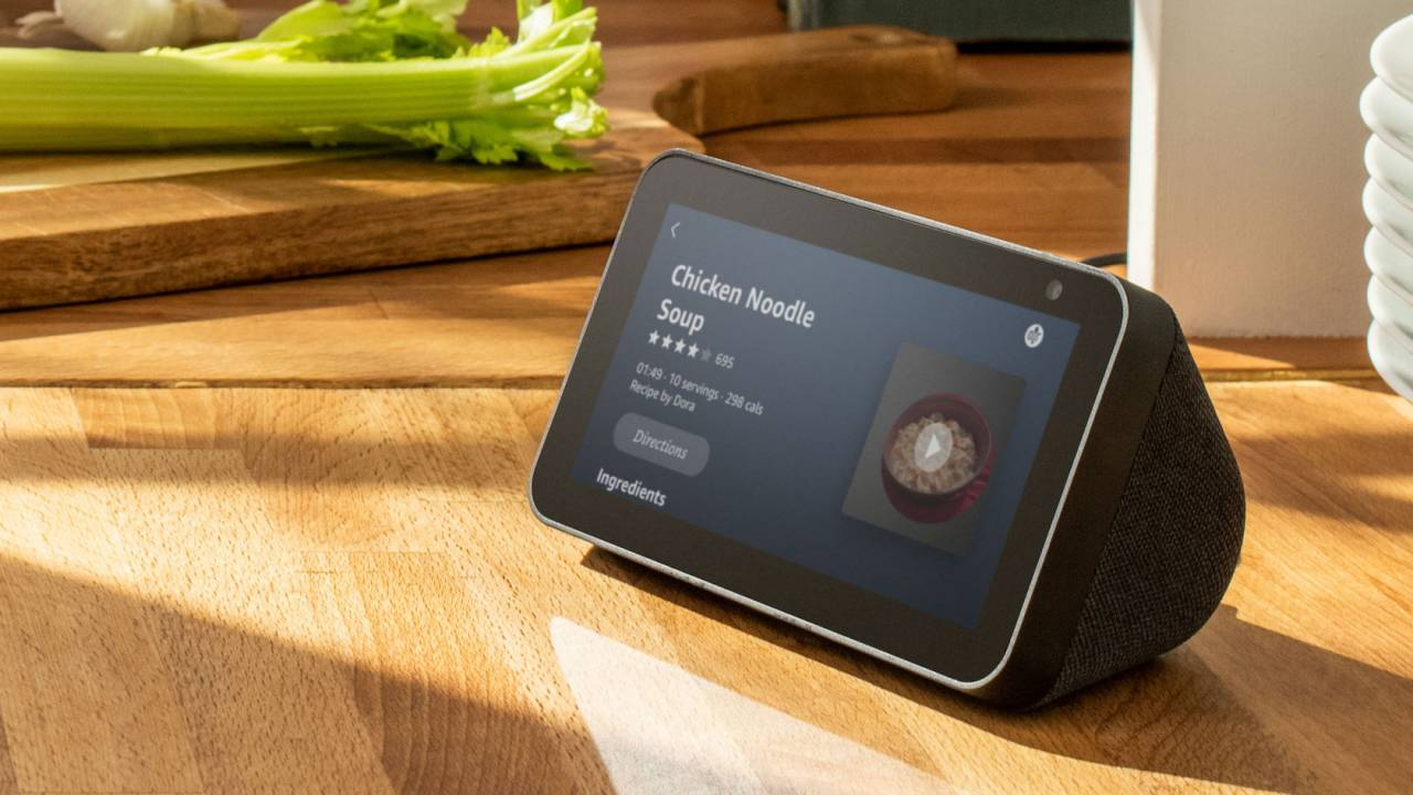 Amazon Echo Show 5 is a $90 Alexa smart display with privacy in mind