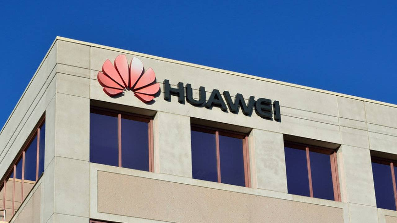 Huawei can issue phone updates for 90 days under temporary extension