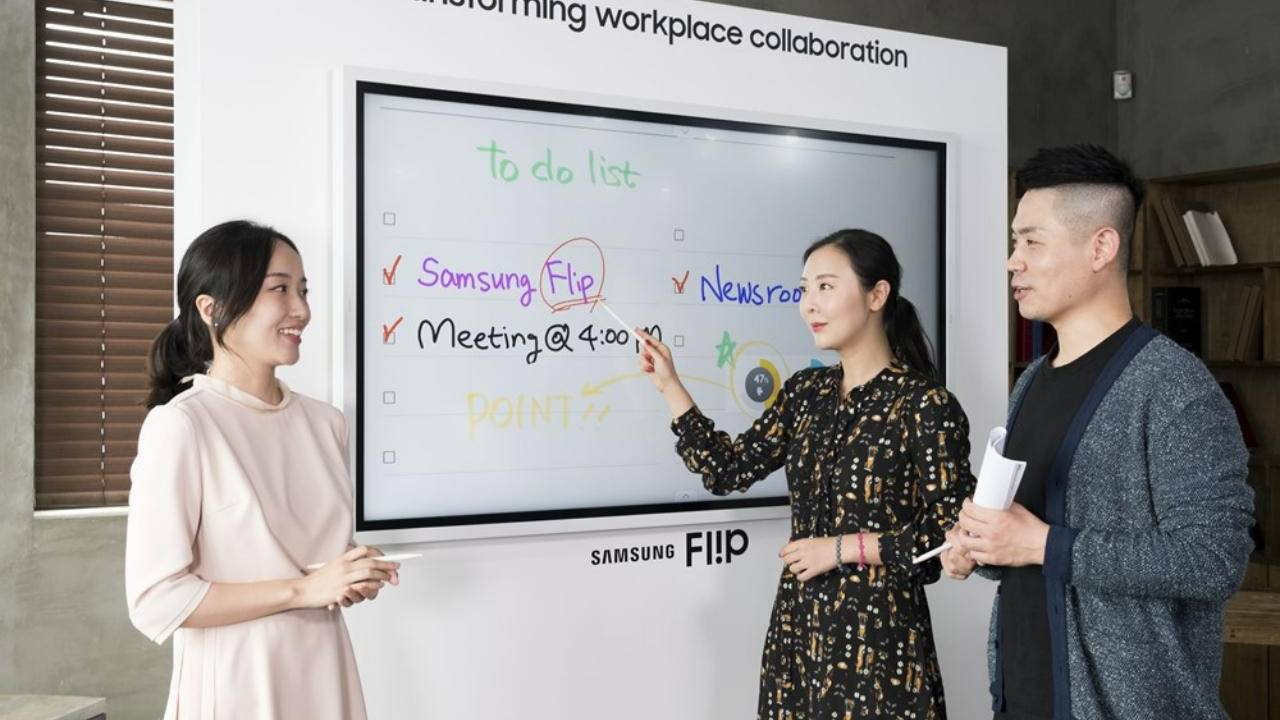 2019 Samsung Flip digital whiteboard can also recognize paintbrushes