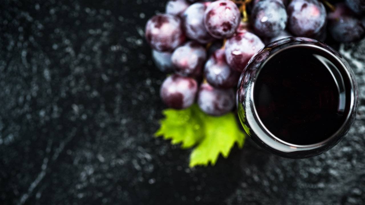 Red wine ingredient may ease depression, but drinking it is risky