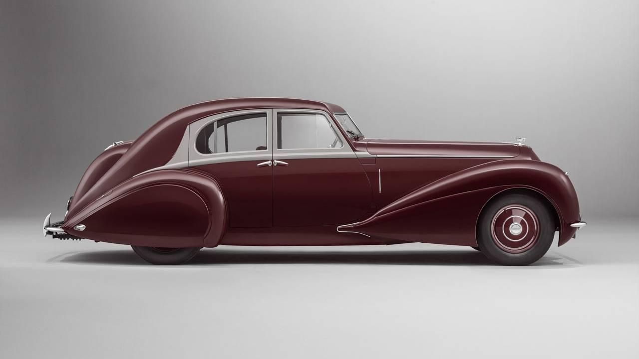 Mulliner re-creates the 1939 Bentley Corniche