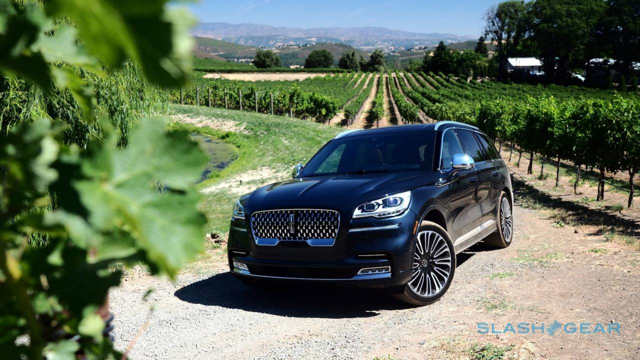 2020 Lincoln Aviator First Drive: Grand Touring hybrid is unapologetic 3-row SUV