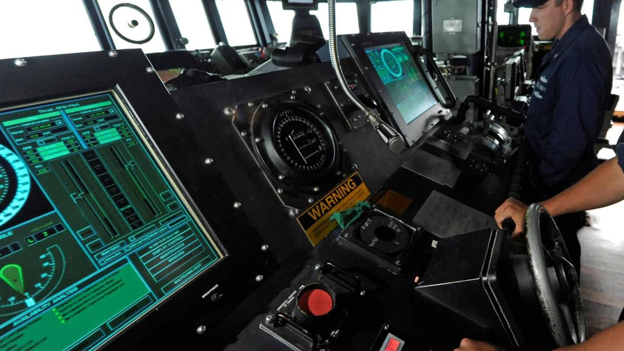 US Navy to move away from touchscreens on warships