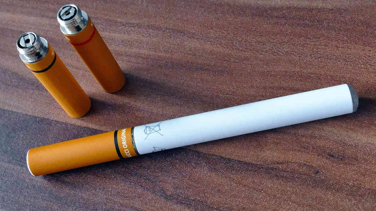 FDA and CDC warn against 'street' vapes and mods in lung injury update