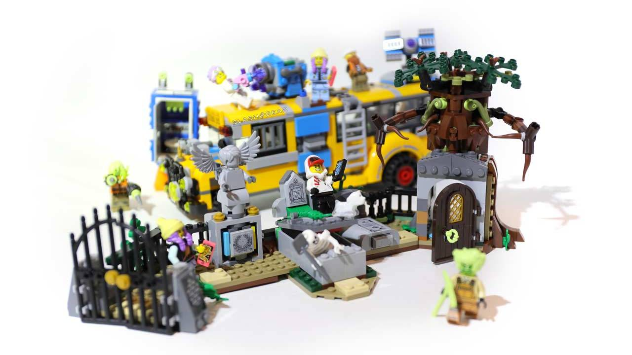 Hidden Side Paranormal Intercept Bus 3000 LEGO Review, with Graveyard Mystery