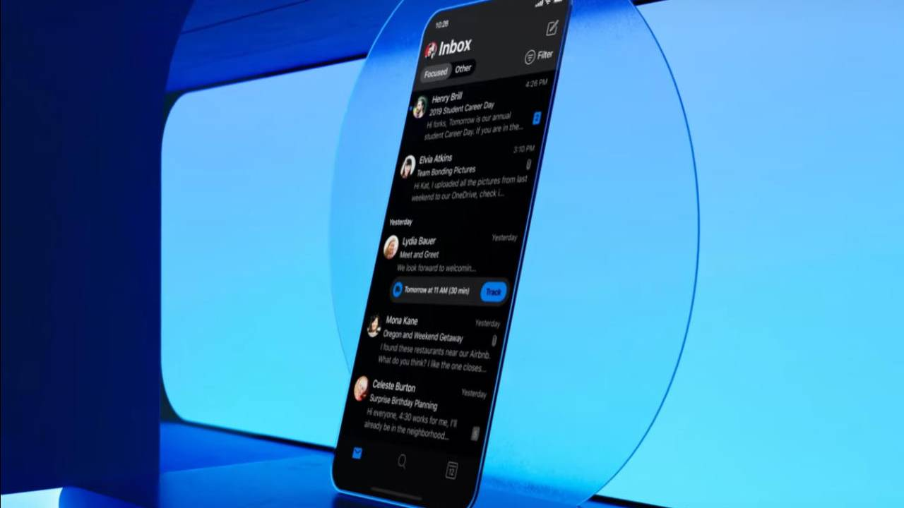 Microsoft Outlook finally gets Dark Mode on Android and iOS