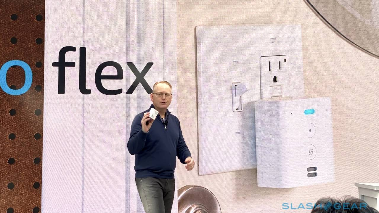 Echo Flex plugs Alexa right into an outlet with modular accessories