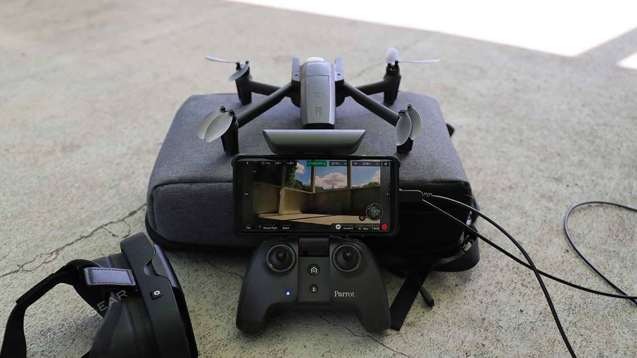 Parrot ANAFI FPV Review : All-In-One Pack for 4K drone pilots