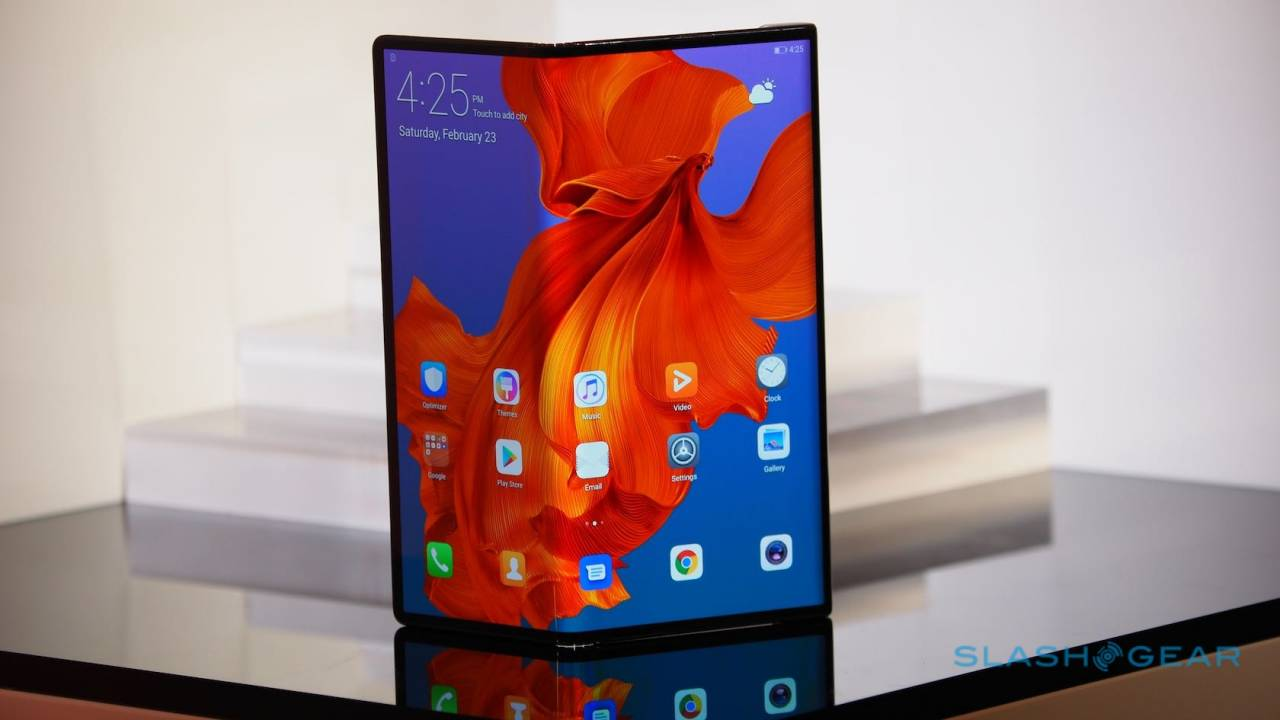 """Huawei Mate X release """"soon"""" but there's a problem"""