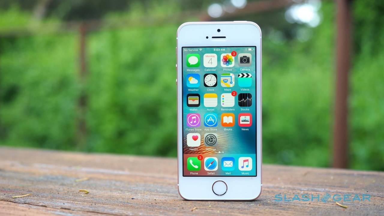 iPhone SE revival rumored for 2020 as Apple looks to reclaim market share