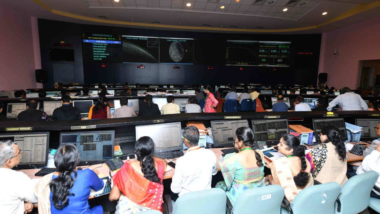 ISRO confirms loss of contact with Vikram lunar lander