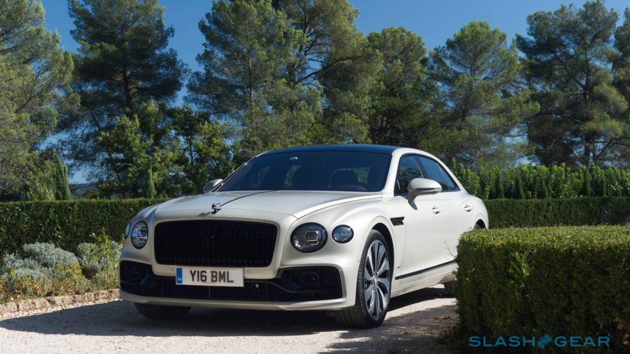 2020 Bentley Flying Spur First Drive – Speed and Obsession