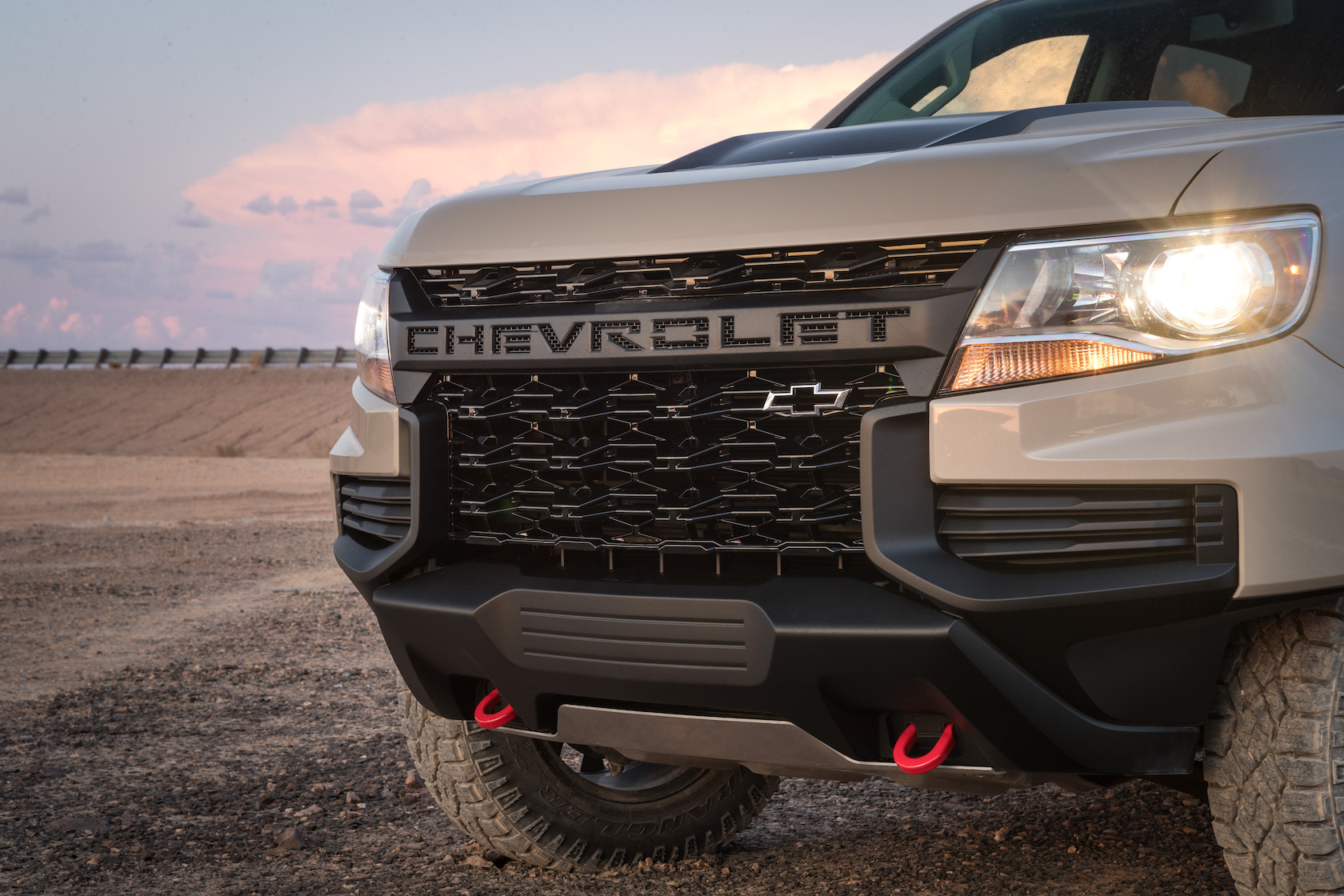 The 2021 Chevrolet Colorado ZR2 can't be accused of being ...