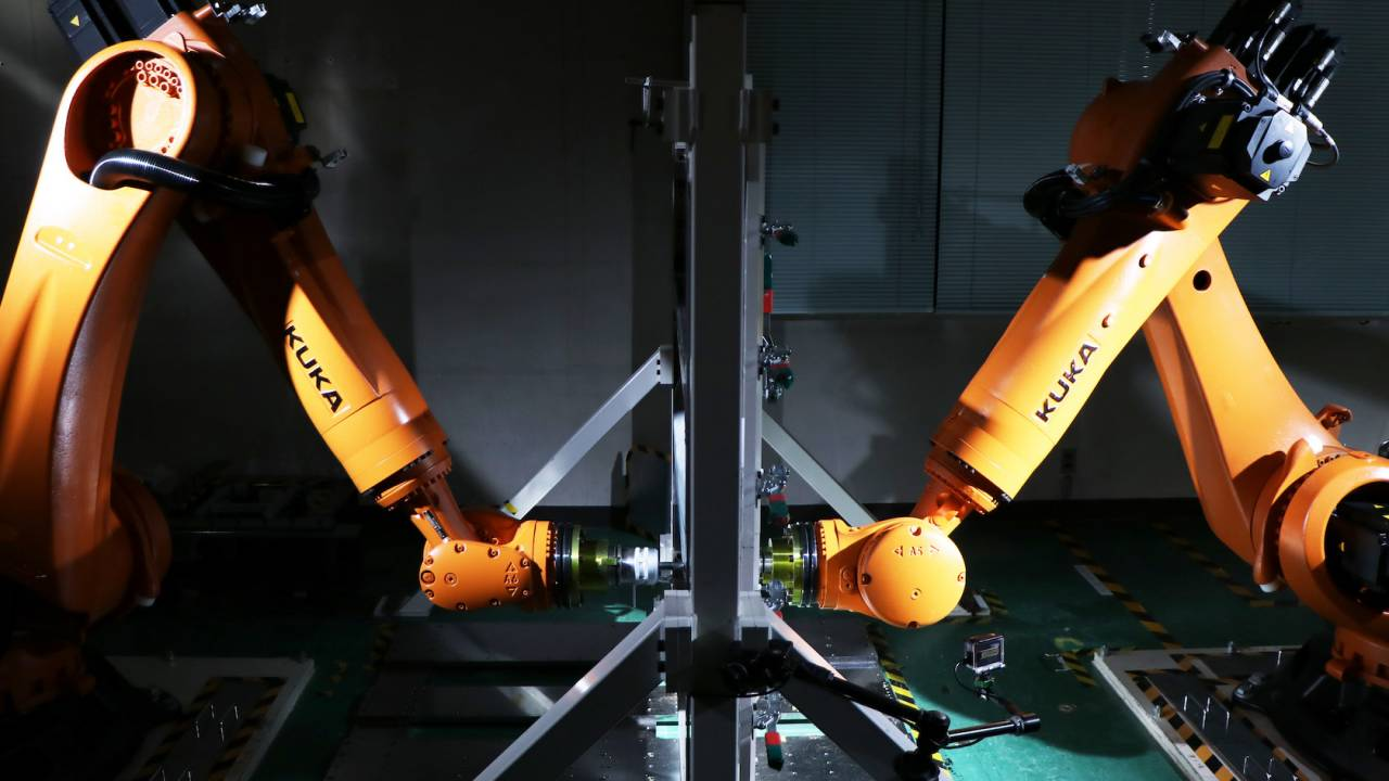Nissan taught two robots to make one-off car parts and it's mesmerizing