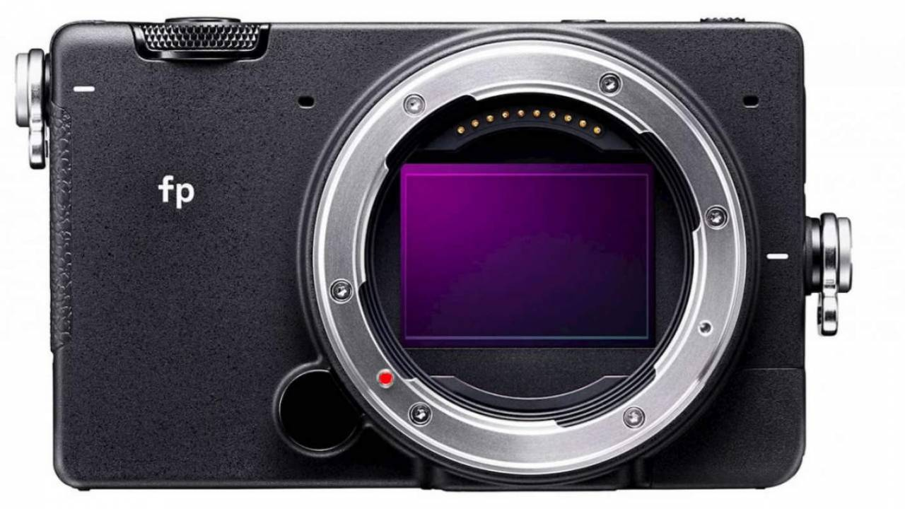 Sigma's pocket-sized full-frame mirrorless camera arrives for preorder
