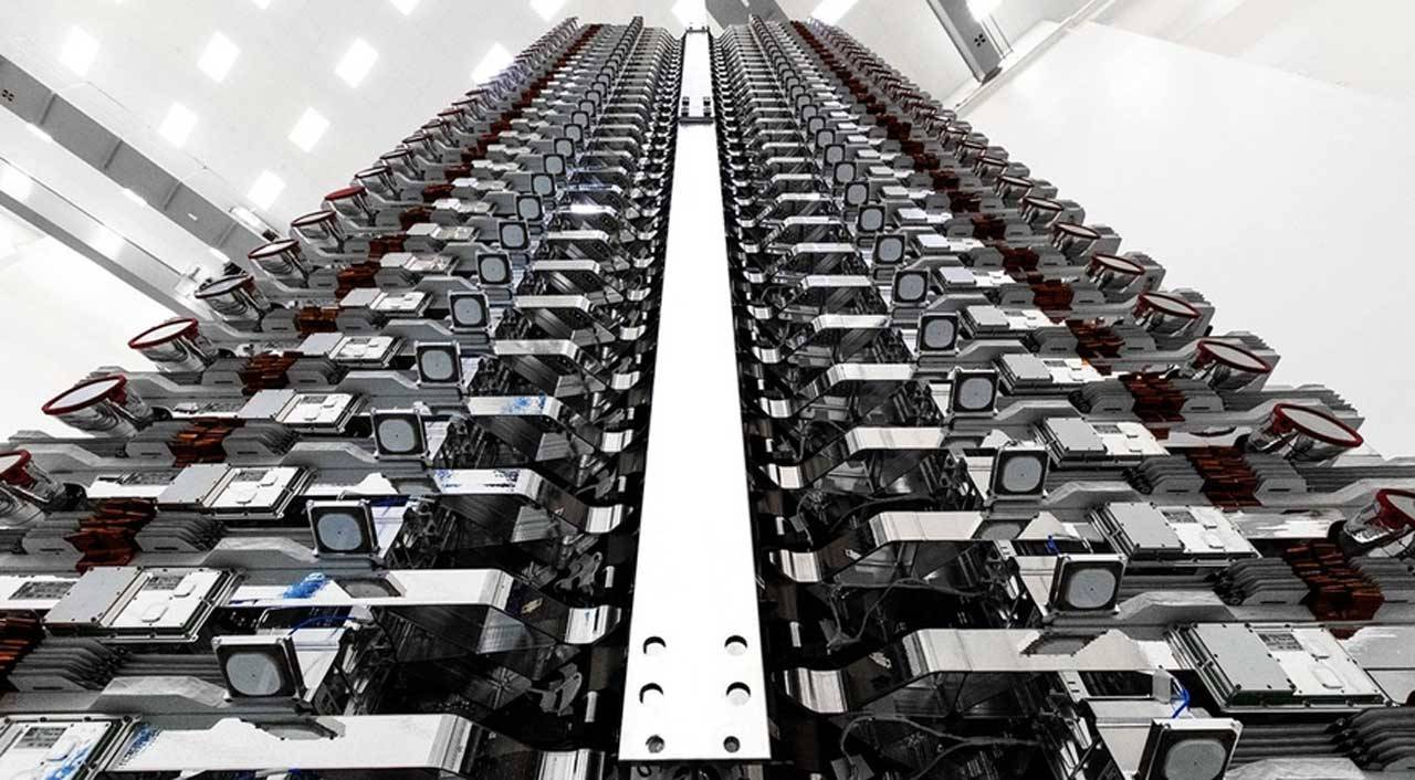 SpaceX seeks approval to put 30,000 additional Starlink satellites