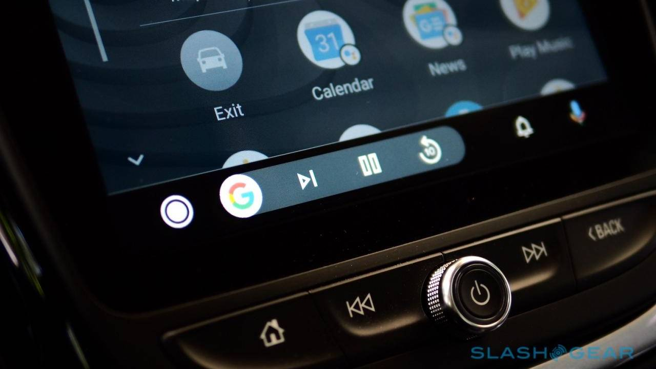 Google Assistant Android Auto bug keeps the AI helper silent