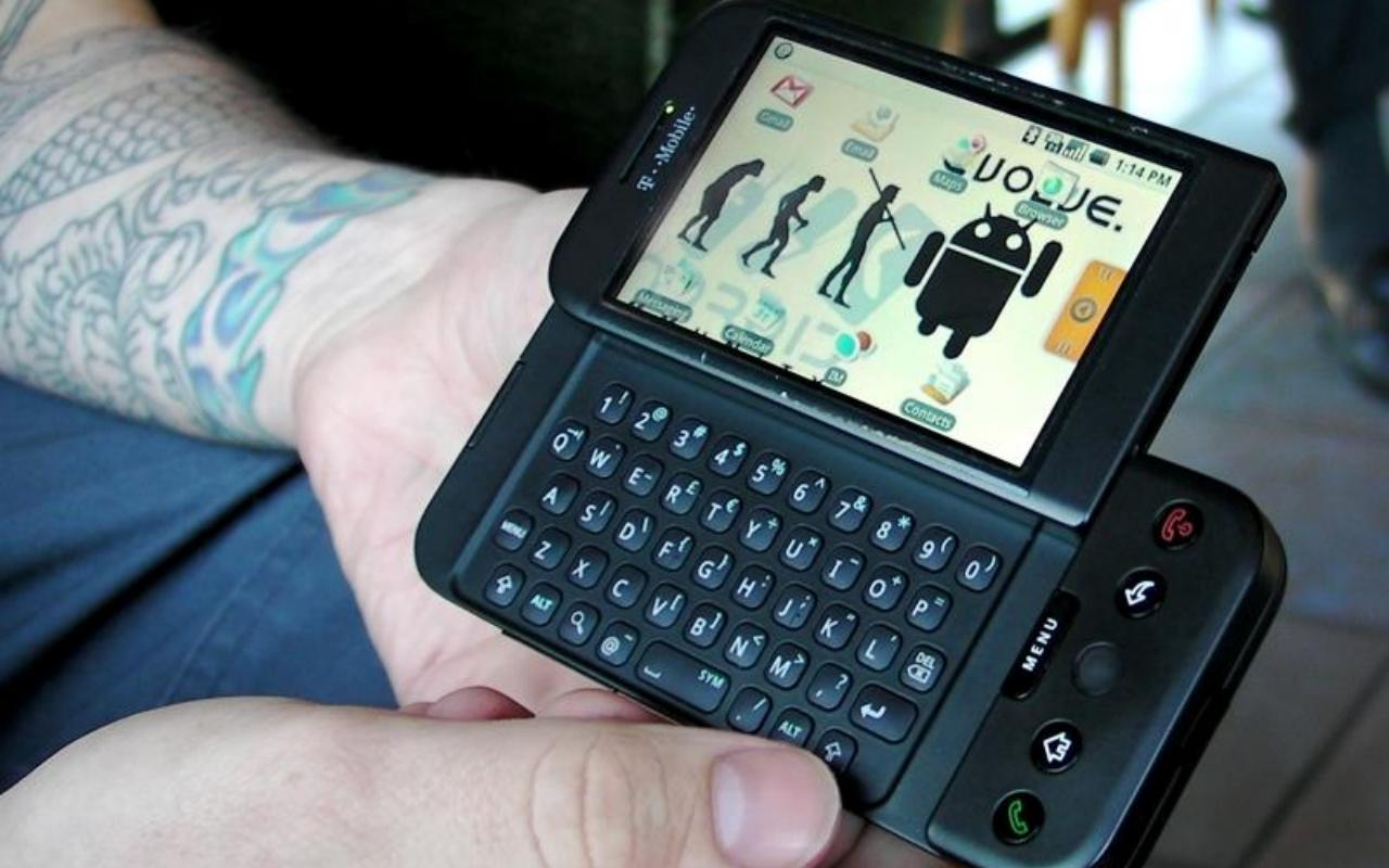 Classic HTC phone could be ailing company's next big attempt