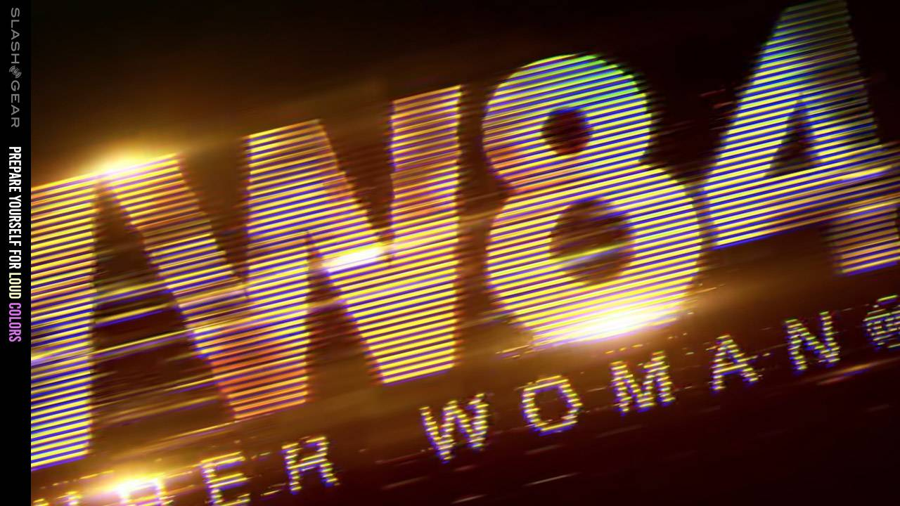 Wonder Woman 1984 trailer tips time travel to 1996 or 2003!