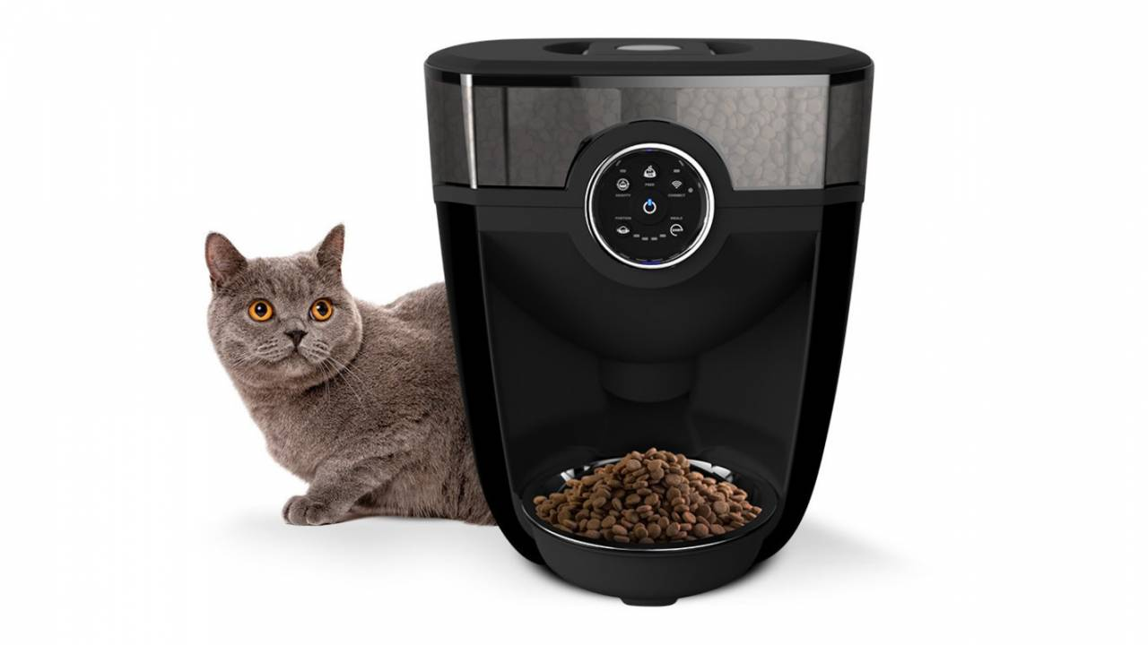 Feeder-Robot connected cat feeder offers scheduling and insights
