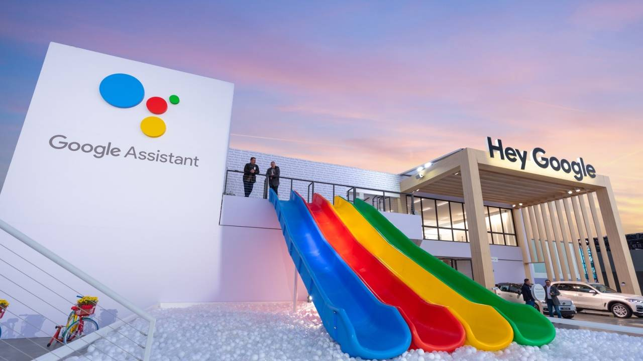 Google Assistant at CES previews sticky notes, scheduled actions, long-form voices