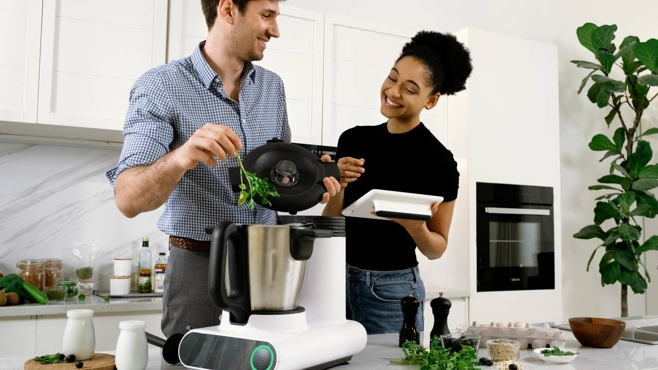 CookingPal Julia smart cooking system will almost do everything for you