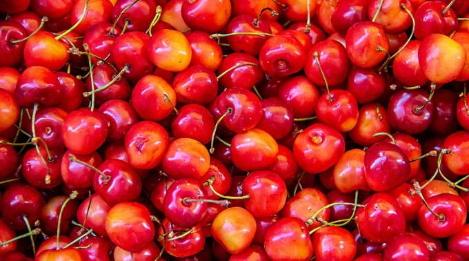 Tart cherry juice may have a surprising effect on exercise performance