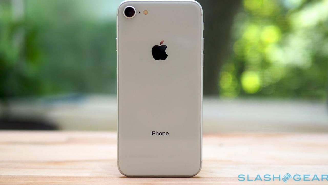 Cheaper iPhone production hit with delays after all