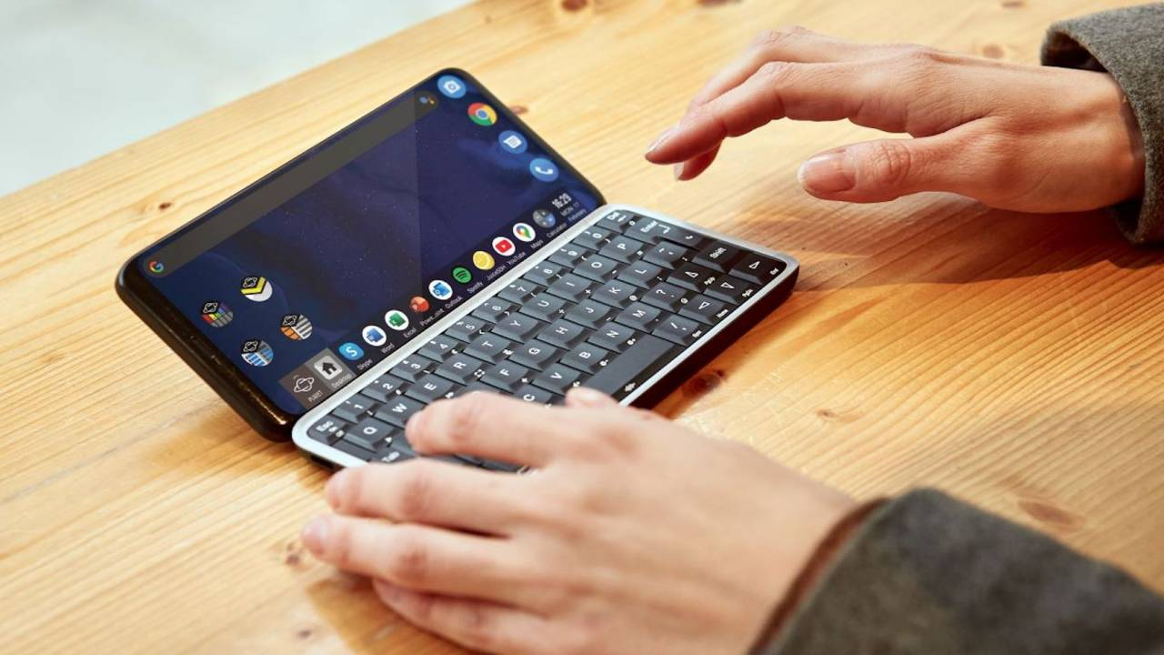 Astro Slide 5G is an Android mini-laptop phone for keyboard addicts
