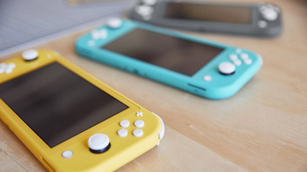Nintendo Switch is out of stock: Here's how the cheaper Switch Lite compares