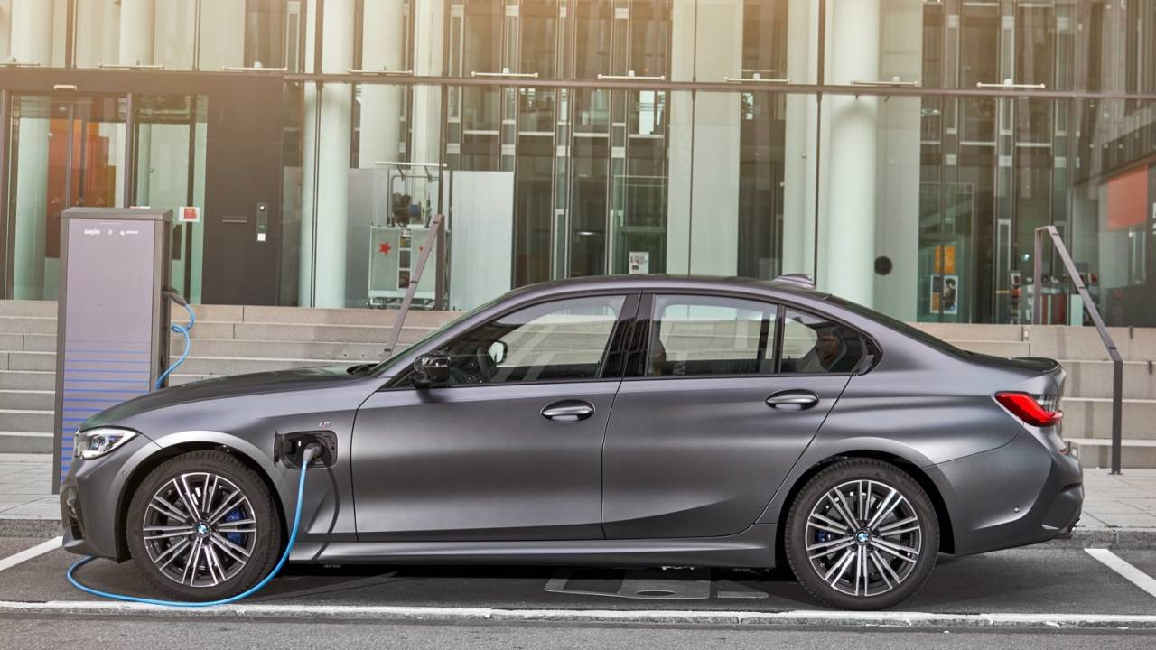2021 BMW 330e plug-in hybrid gets US price and range confirmed