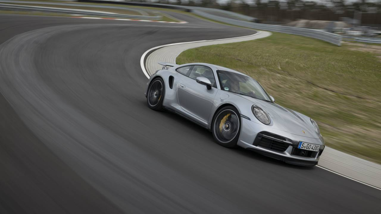 2021 Porsche 911 Turbo S receives Lightweight and Sport packages