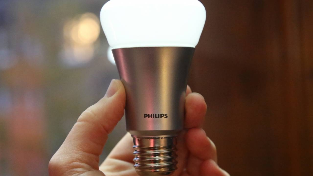 The Philips Hue V1 bridge is about to lose support and owners are furious