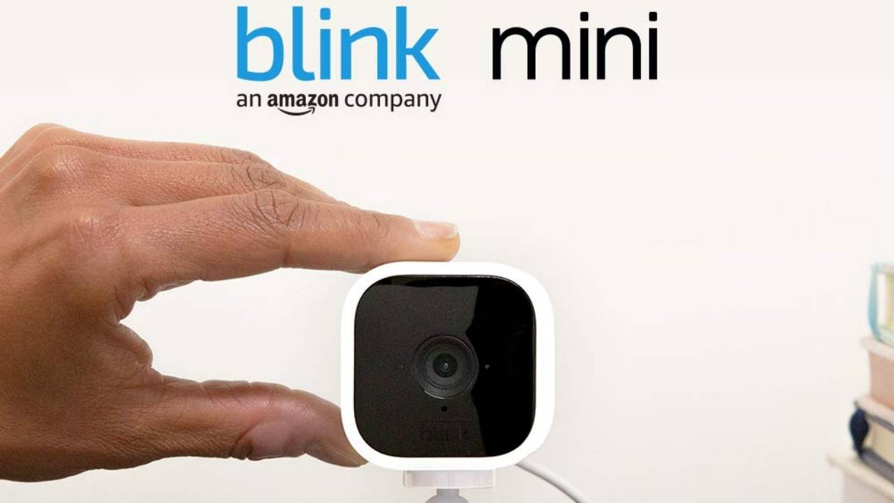 Amazon Blink Mini keeps an eye on your home from the inside