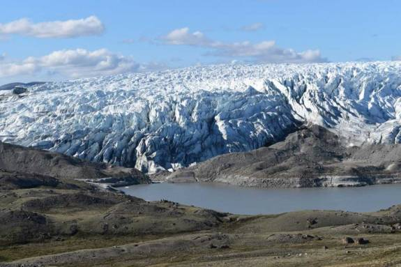 Record ice loss in Greenland in 2019 was driven by unusually clear skies