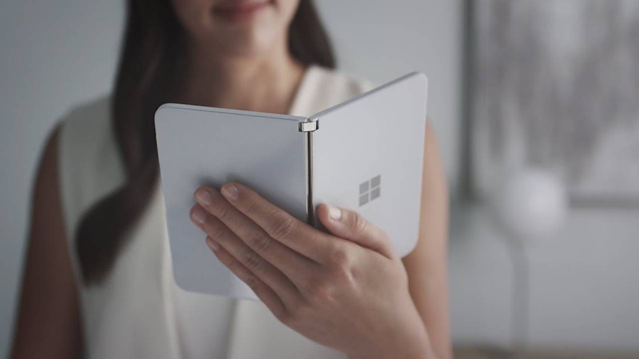 Surface Duo camera sample casts doubt on photography prowess